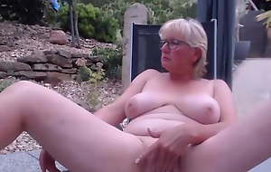 White Mom Pleasures Her Pussy
