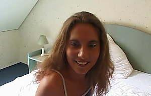 Chantal, huebscher Ossi Hase aus Erfurt beim ersten Casting