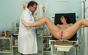 Censorious gyno taint performs slurps teen check-up