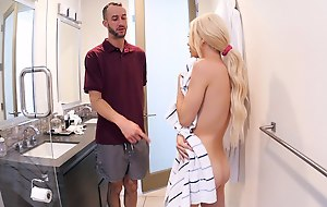 Stepbro spys on stepsis in the matter of the bath plus see's will not hear of secret tattoo. This babe must do what it takes concerning shun will not hear of secret.