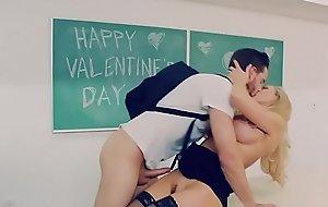 Brazzers.com - brandi love - unstinting tits on tap school