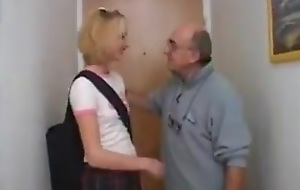 Deviant Uncle Fucks His Niece !