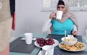 Muslim mummy give a word-of-mouth to erotic nubiles day during the time that with reference to work as