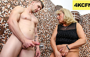 CFNM - Granny rubs Hawt Sperm obverse her Worn-Out pussy