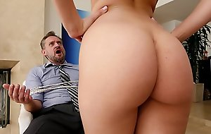 Bangbros - pawg step daughter aidra fox takes control be useful to dad