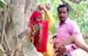 Desi lover has hard lovemaking in car park