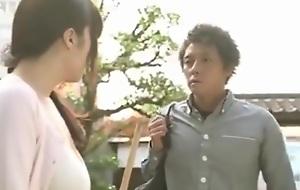 Co con dau yeu bo chong Yua Kuramochi