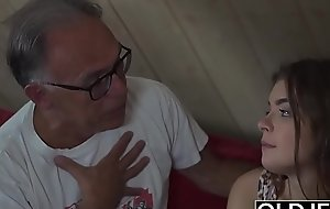 Adorable Teen Screwed Wits Cur� She Guzzles cum and sucks load of shit