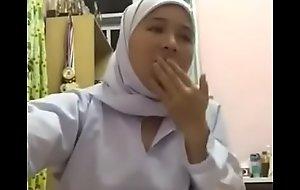 Anak gadis Ina Azrina (Malay teen)