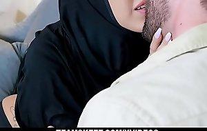 ExxxtraSmall - Teen Enervating Hijab Drilled