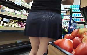 Chubby ass, hawt candid pink pussy under skirt